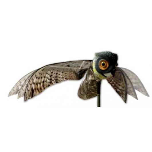 Madárriasztó kiterjesztett szárnyú bagoly, élethű